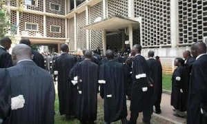 Un avocat 'gangster' dénoncé devant le tribunal administratif du Yaoundé