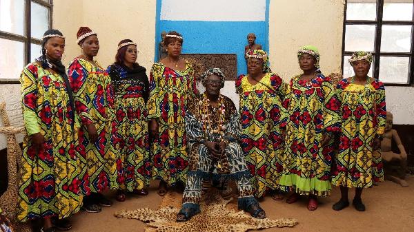 Fo'o Sokoudjou et ses femmes