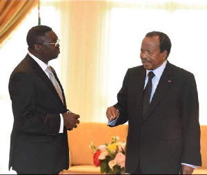 Ferdinand Ngoh Ngoh et Paul Biya à Etoudi