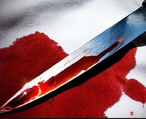 L'homme a sorti son couteau pour se défendre