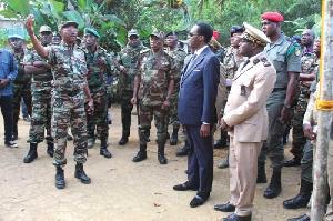 Beti Assomo Et Des Militaires Cameroon Info P Net 800xm9x