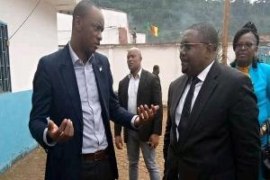 Cabral Libii et Eric Kingue lors de la cérémonie d'installation de l'exécutif communal d'Eseka