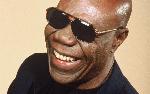 Musique: Petit Pays rend hommage à Manu Dibango et Papa Diouf