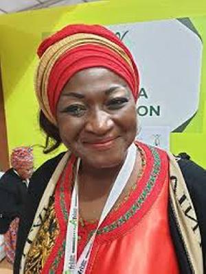 Elle veut honorer Paul Biya