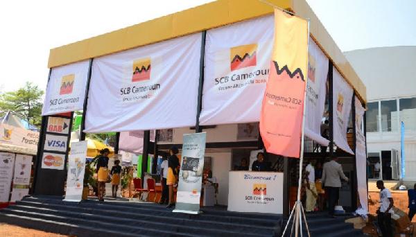Le plaignant est un agent aux Aéroports du Cameroun (ADC) et client de la SCB depuis 2014