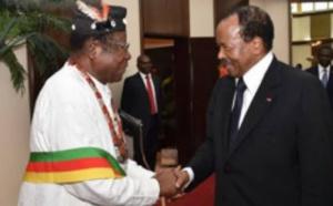 Victor Mukete et Paul Biya