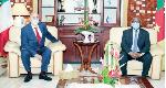 Fin du régime : Paul Biya délègue (encore) ses pouvoirs