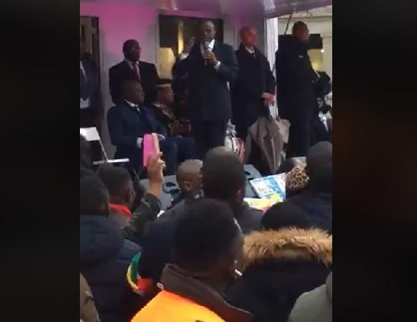Paris: voici la clique aux côtés de Maurice Kamto lors du meeting