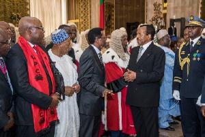 Paul Biya et ses collaborateurs