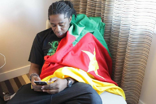People: Maalhox fait un big up à 'l'artiste Grand Barack'