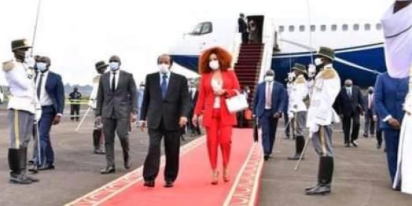 Retour de Biya et de sa femme au Cameroun