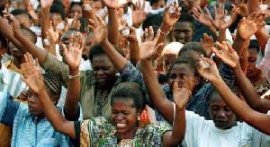 Les fidèles dans une église