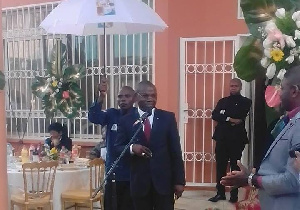 Amougou Belinga PDG du groupe Anecdote et de Vision Finances