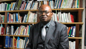 Mathias Owona désavoue Amougou Belinga en direct sur Vision 4