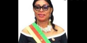 Le maire, Angeline Enanga