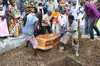 Il a été inhumé au cimetière de Deido