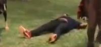 Jean de Dieu Momo fait une chute spectaculaire