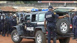 La main du sous-préfet de Yaoundé III