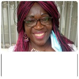 C'est en 1988 qu'Eveline Nana démarre sa carrière politique au sein du Rdpc