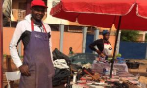 JOEL NDZANA le sociétaire de la panthère sportive du Ndé devant son lieu de travail