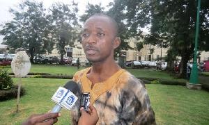 Le journaliste Denis Nkwebo