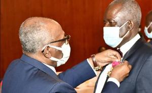 L'ambassadeur de la Centrafrique a été décoré par les autorités camerounaises