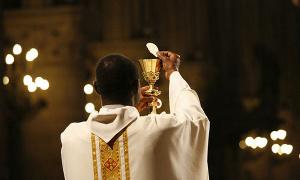 Un prêtre