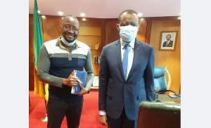 Serges Anango et l'Ambassadeur du Cameroun en France