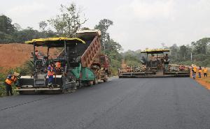 Plusieurs projets de construction de route ont été abandonnés à cause du manque de financement