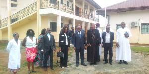 L'Eglise catholique ouvre un centre médical .