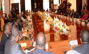 Le gouvernement lors d'un Conseil des ministres