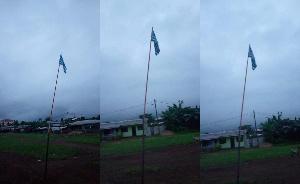 Le drapeau ambazonien flotte à Buea