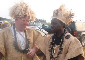 Le ministre Fame Ndongo en tenue traditionnelle