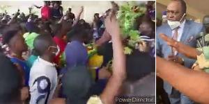 Une foule en transe que le gouverneur n'a pas réussi à clamer