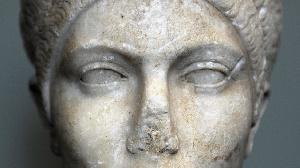 Brinkmann célèbre la recoloration de l'antiquité grecque.