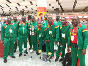La délégation Camerounaise de retour de Dakar