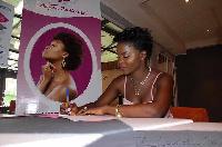 Daphne, ambassadrice de la marque de produit camerounaise Tc Cosmetics