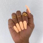 Les produits utilisés comme colle, le gel ou même la résine peuvent endommager les ongles