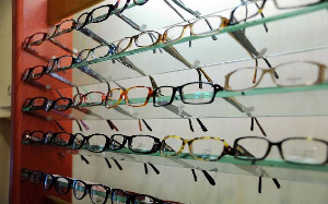 Il est dangereux de porter des lunettes sans prescription médicale
