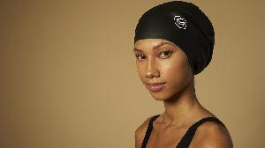 Soul Cap fabrique des bonnets destinés à recouvrir et à protéger les dreadlocks
