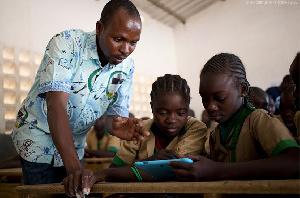 Le gouvernement encourage le décrochage scolaire