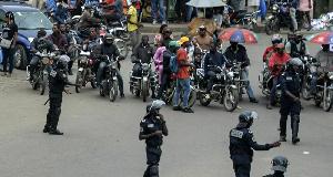 Les révélations d'un média russe sur 'les Microbes' de Douala