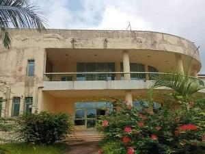 Le Centre d'excellence de la CAF construit à 10 milliards abandonné