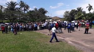 Les militants du RDPC manifestent à Kribi contre le sénateur Mba Mba
