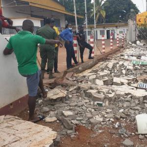 Un mur de la  SABC s'effondre et tue un élève