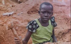 'J'avais 5 ans quand ma mère m'amenait avec elle vendre à manger dans des carrières minières'