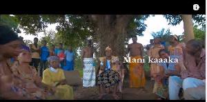 Capture d'écran du single « Mani Kaaaka »