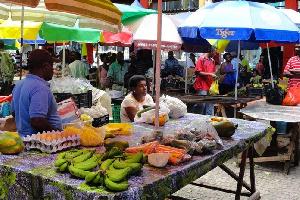 Un marché à Douala