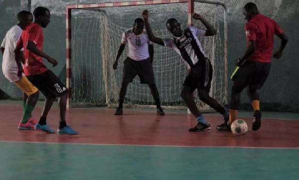 Le football des vétérans basé sur la technique individuelle commence à prendre corps à Douala