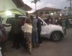 Ambiance devant l'hôpital régional de Buea